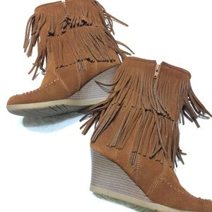 Minnetonka Wedge Moccasin Brown Stack Heel Boots